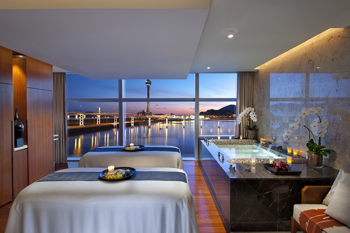 """Couples Suite""with amazing view, Luxury Spa Series, Mandarin Oriental Macau"
