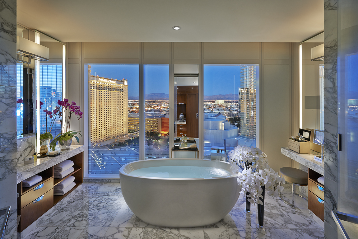Bathroom with a view at Mandarin Oriental Las Vegas