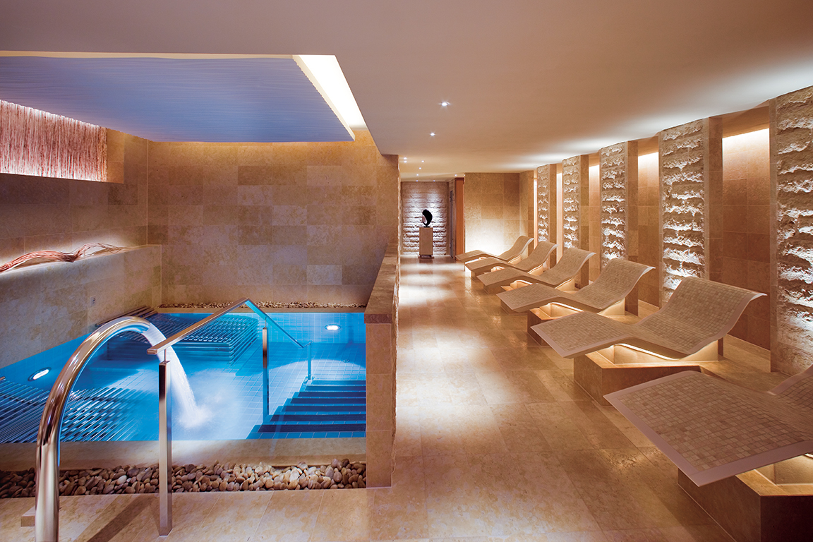 The luxurious Spa at the Landmark Mandarin Oriental Hotel  showing the heated loungers and vitality pool.
