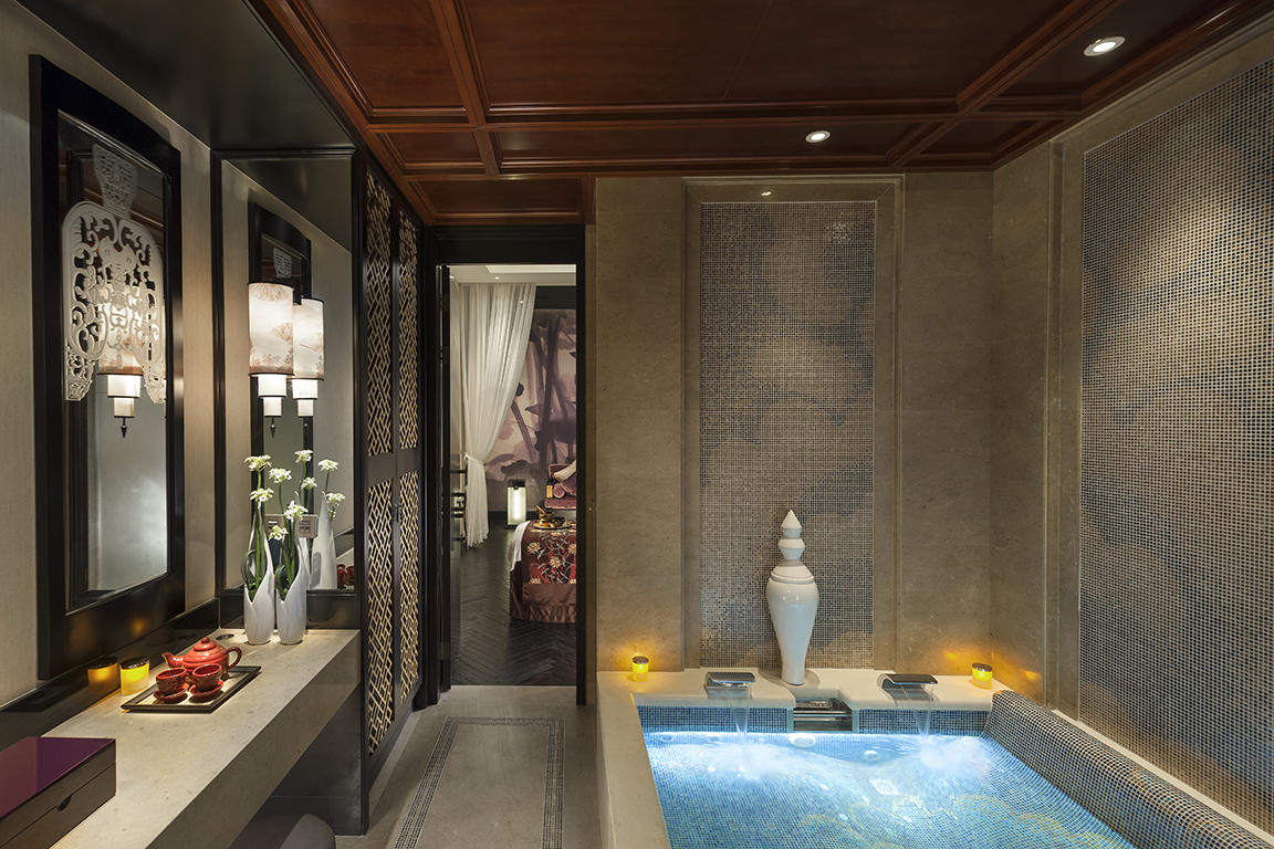Elegant jacuzzi in Couples Suite at the Spa in the Mandarin Oriental Hotel Guangzhou, China