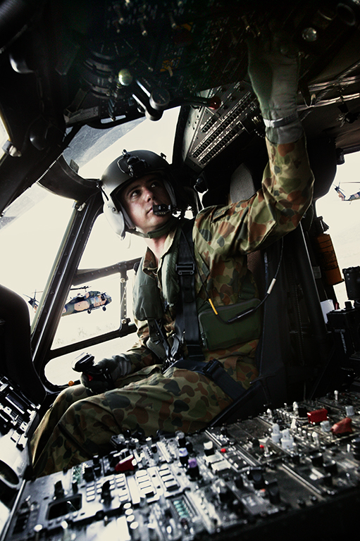 BLACK HAWK COCKPIT 01