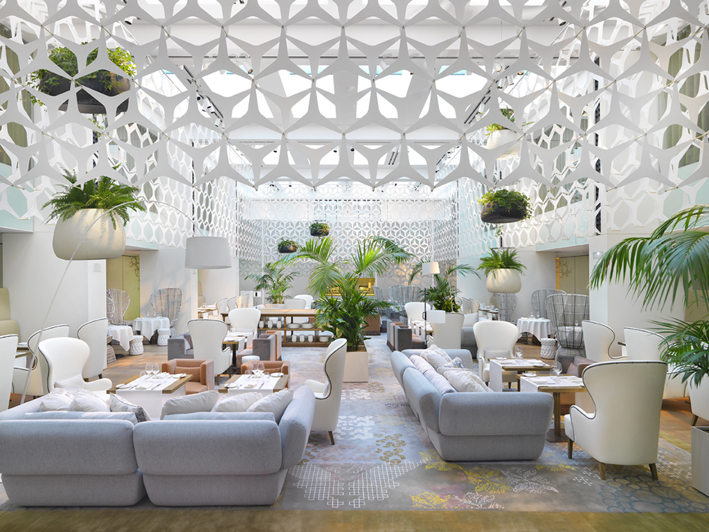 Quiet calm at the Patrizia Urquiola designed Blanc at the Mandarin Oriental Barcelona