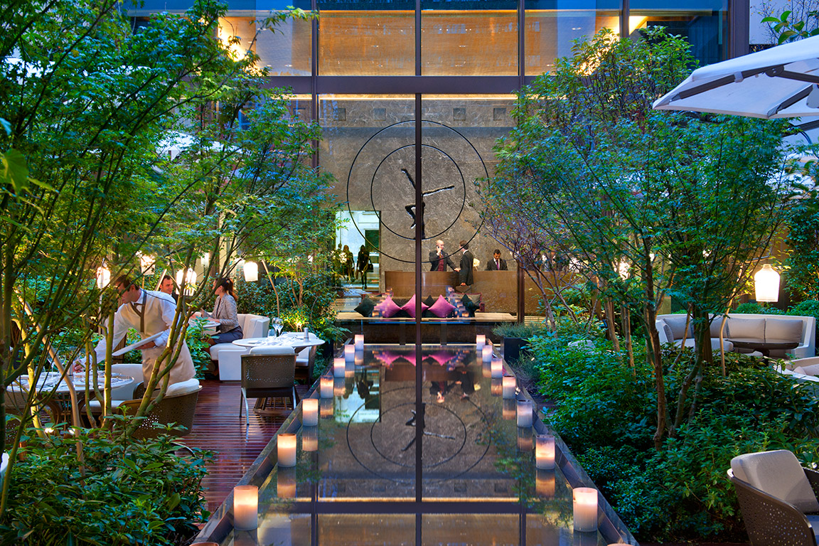 Courtyard dining at Mandarin Oriental Hotel Paris